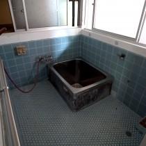 タイル張の浴室